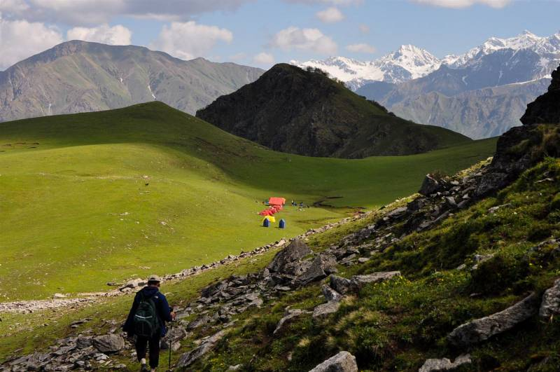 3 Nights 4 Days Dayara Bugyal Trek Tour