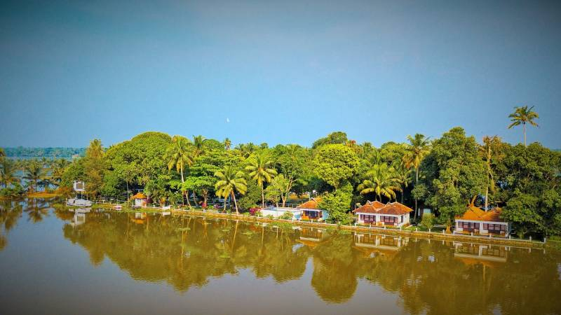 Karala Back Water 8 Days Tour Package