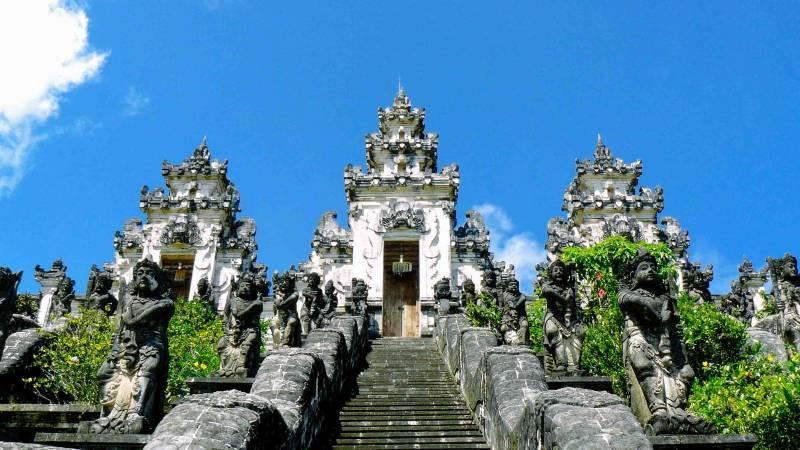 8 Days Bali With Malaysia Tour