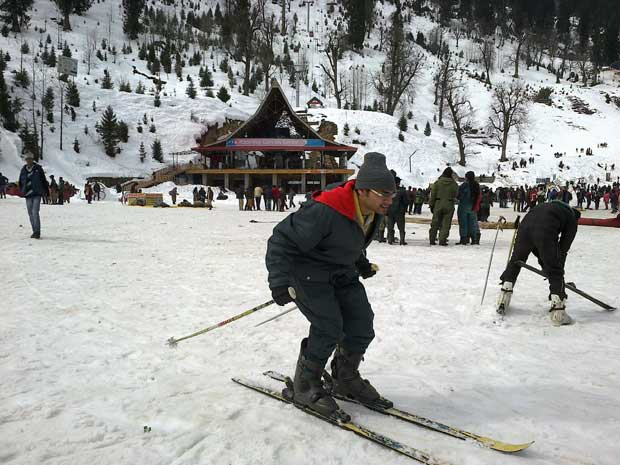 4 Night 5 Days Shimla Manali Tour Package
