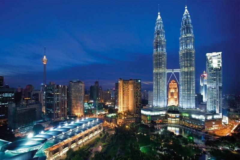 Blissful Bali With Malaysia Tour