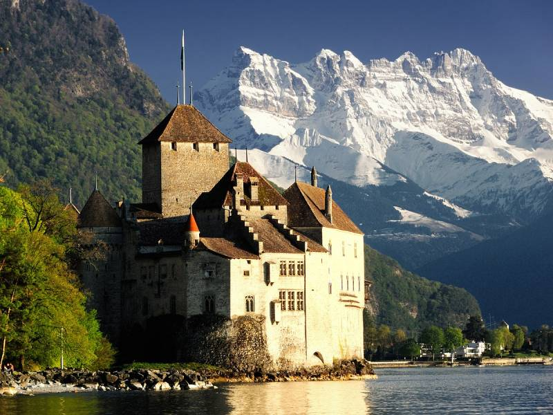 Swiss Paris Amsterdam With French Riviera Tour