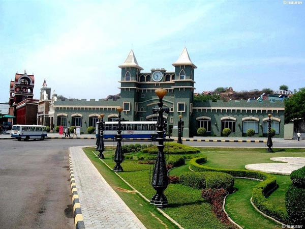 Hyderabad Ramoji City Tour