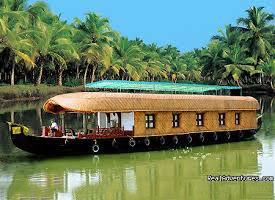 Kerala Dreams - Munnar - Thekkady - Kovalam Tour