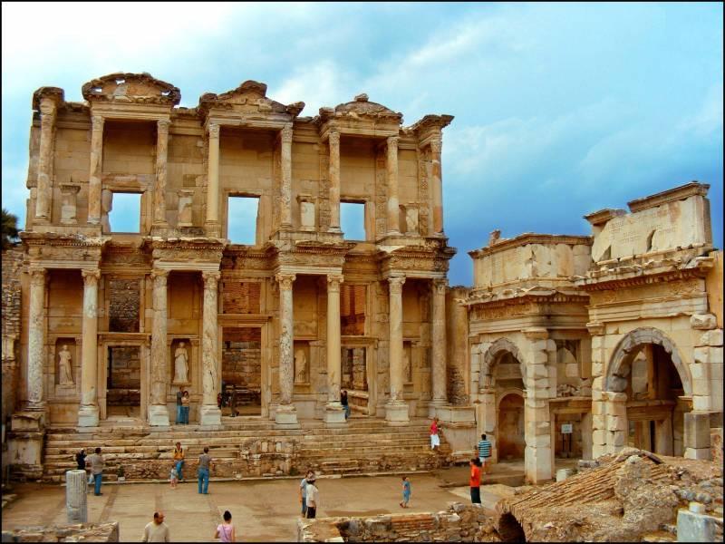 9 Days Istanbul, Gallipoli, Troy, Kusadasi, Pamukkale Tour Package
