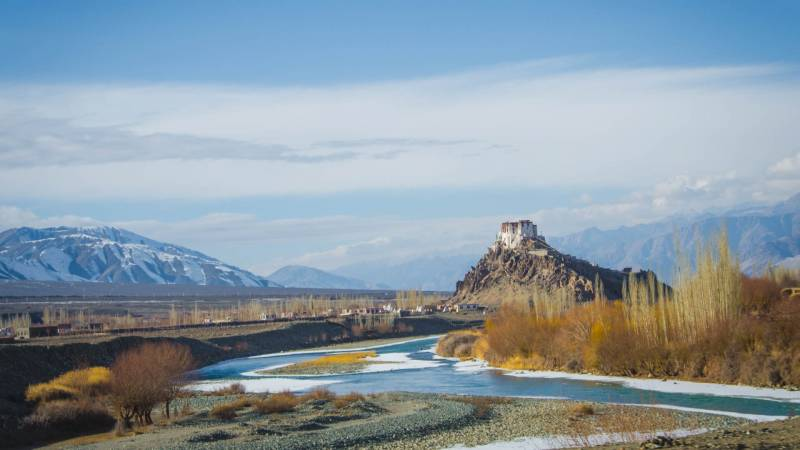 Leh – Ladhak Tour( 04 Night Leh + 01 Night NubraValley  + 01 Night Pangong Lake ) – Ex Leh