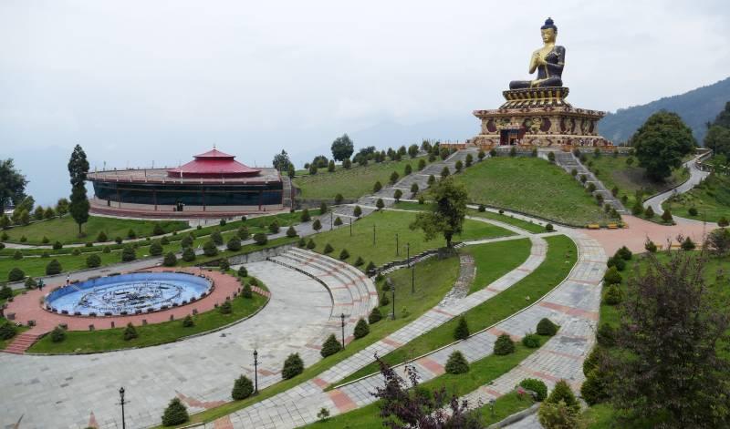 8 Days Gangtok Pelling Ravangla Darjeeling Tour
