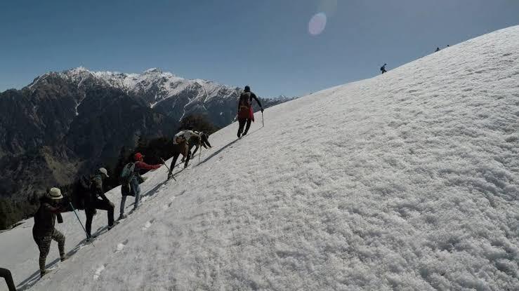 Bhrigu Lake Trek Group Tour