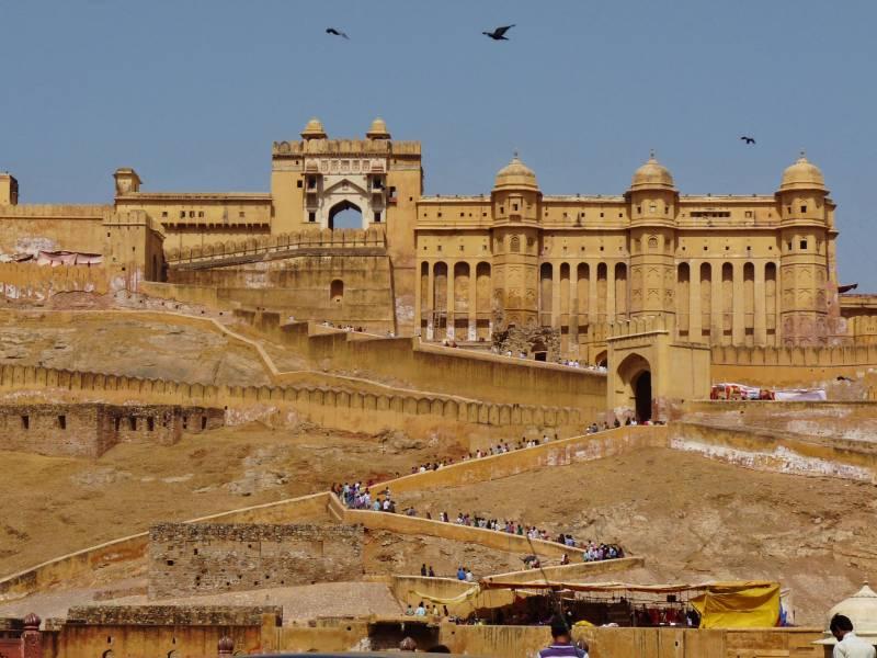 5N/6D (2 N Jaipur + 1 Night Ajmer/Pushkar + 2 Night Udaipur) Package