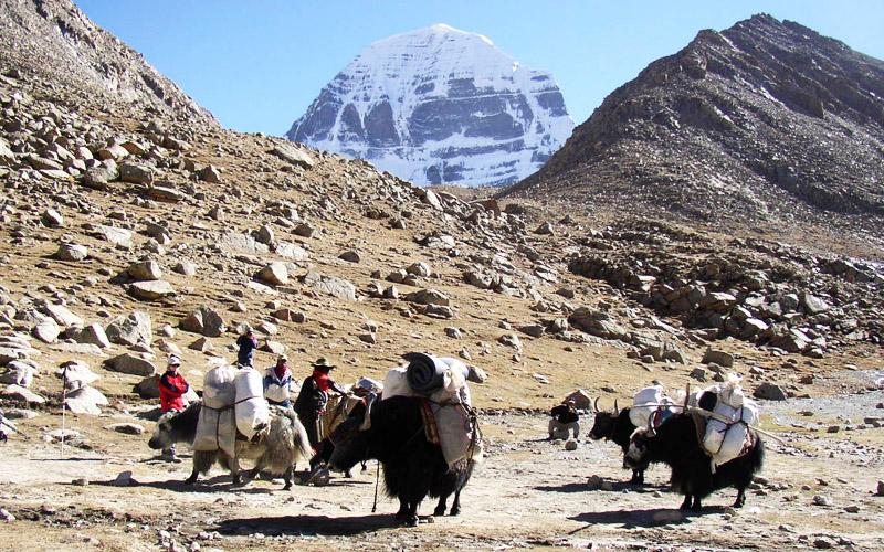 Kailash Manasarovar Yatra With Everest Base Camp Trekking Tour