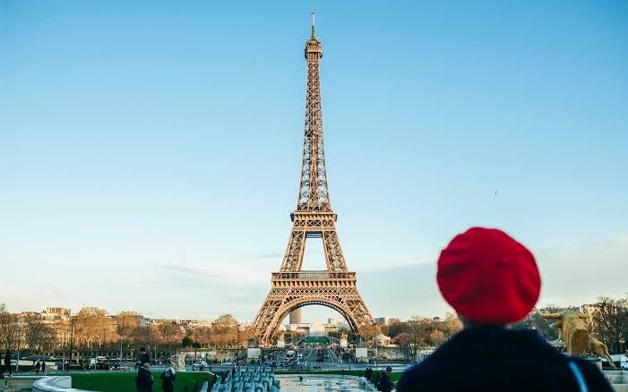 Amsterdam Paris With Swiss Tour