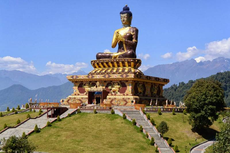 4 Night 5 Days Pelling, Ravangla Tour Package.
