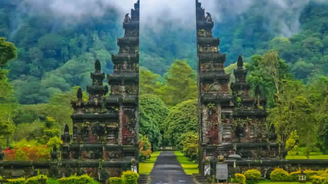 Tour Package To Indonesia 5 Nights / 6 Days