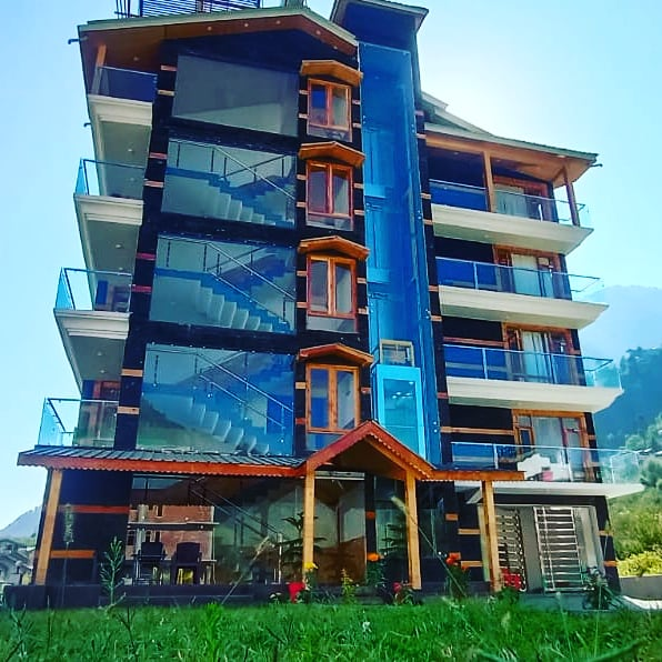 5 Days 4 Nights Hotel Snow Height Manali Package