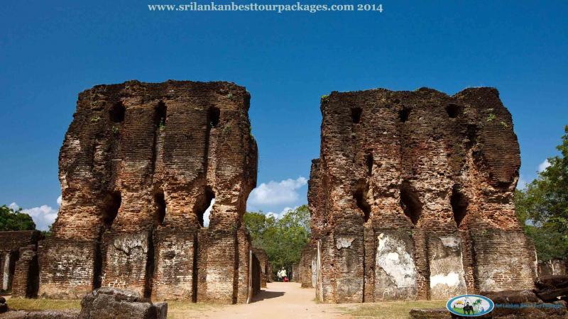 Negombo – Anuradhapura – Sigiriya – Polonnaruwa – Kandy – Pinnawala – Nuwara Eliya Tour