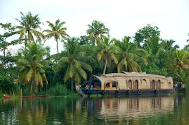 Hills And Backwater 4Night/5Days Kerela Package