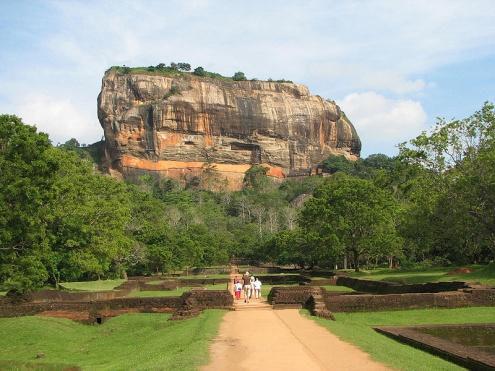 Sigiriya - Habarana/Giritele - Kandy - Nuwaraeliya Tour