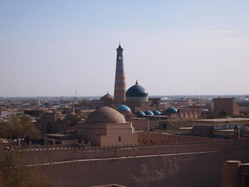 Uzbekistan: Along The Route Of Ancient Caravans