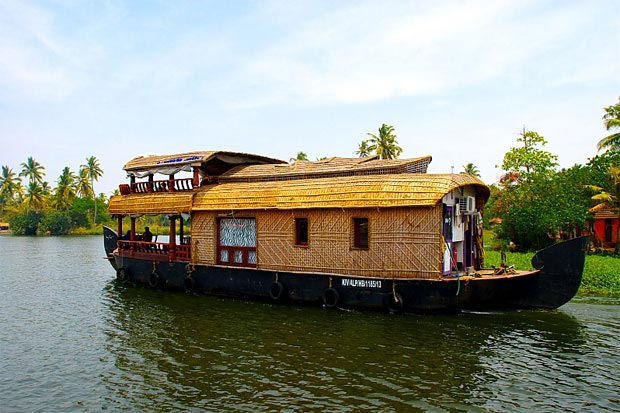 Bangalore - Munnar - Alleppey Tour