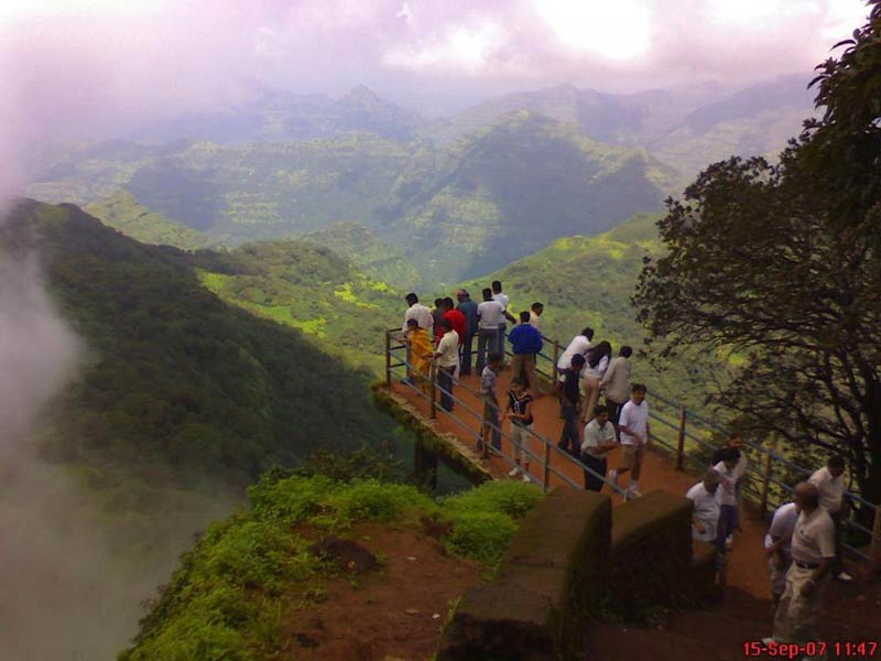 Mabaleshwer Honeymoon Holiday Package Tour From Pune, Mumbai