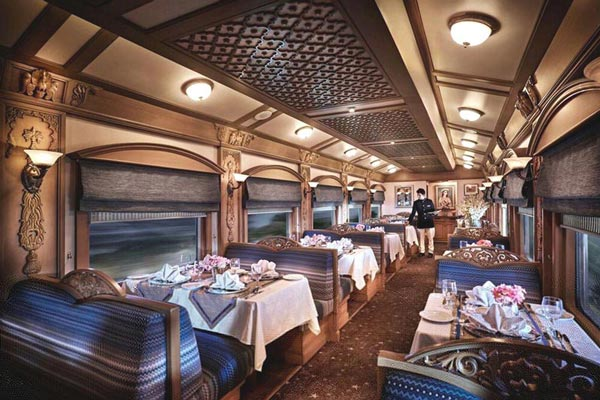 The Deccan Odyssey - Luxury Train Of India Tour