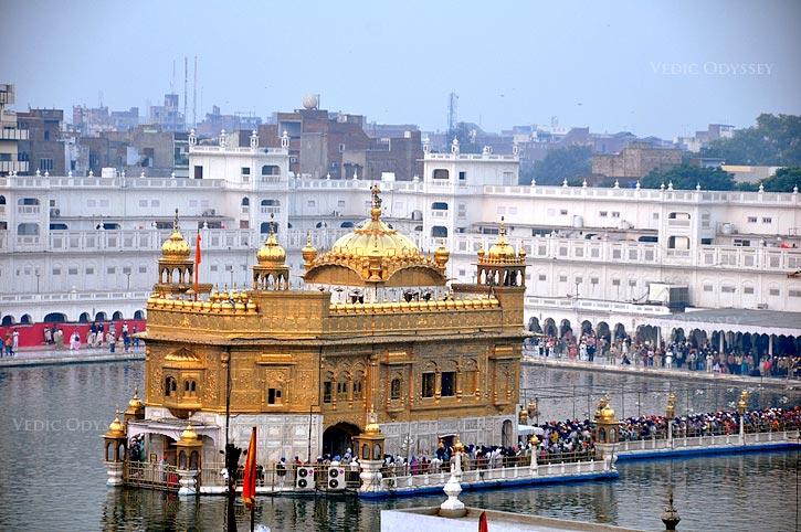 Delhi - Chandigarh - Amritsar - Wagah Border Tour