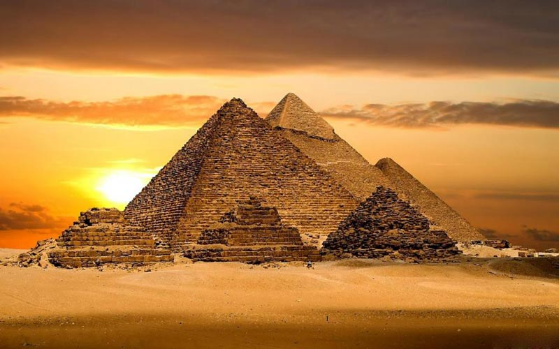 Pyramids, Museum & Feluca Ride Tour