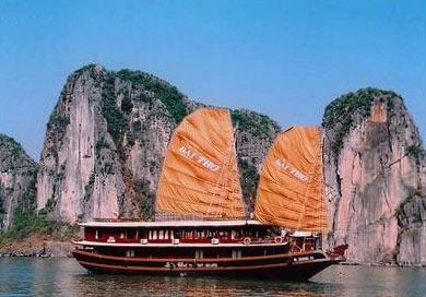 Ha Noi - Halong - Phan Thiet - Saigon Tour (12 D & 11 N)