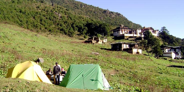 Jumolhari Trekking