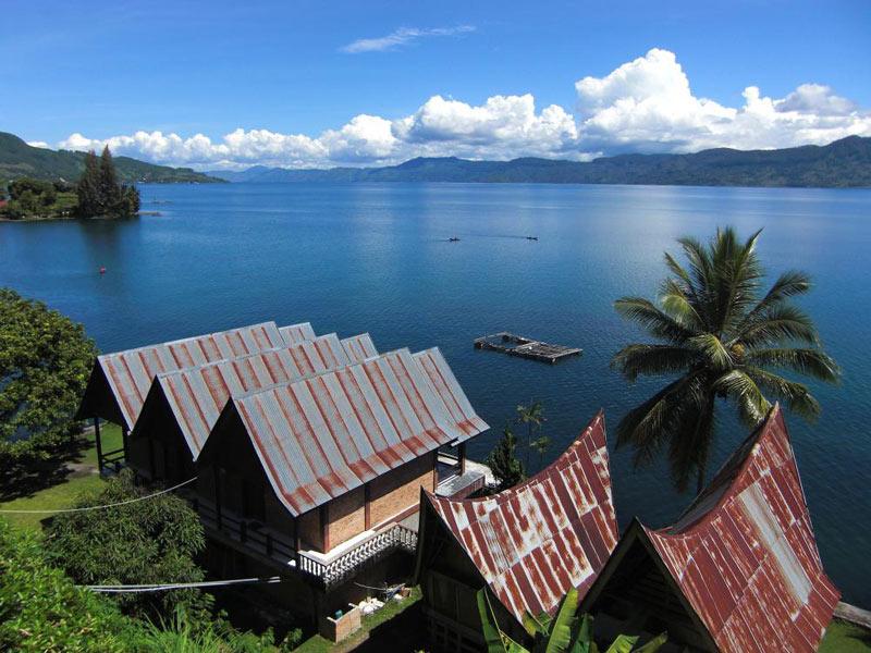 4D/3N Medan Lake Toba Tour Service