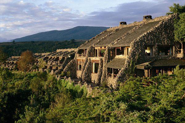 December Tanzania Holidays Tour - Manyara - Serengeti - Ngorongoro - Tarangire Lodge