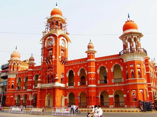 Mughal Treasure, Islamic Architecture & Colonial Heritage Tour