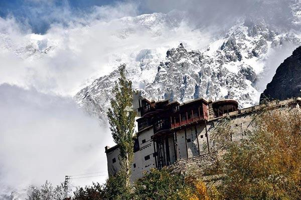 Hunza Autumn Tour – North Pakistan