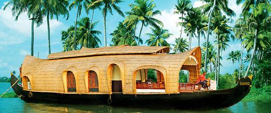 Munnar - Thekkady - Alleppey Tour