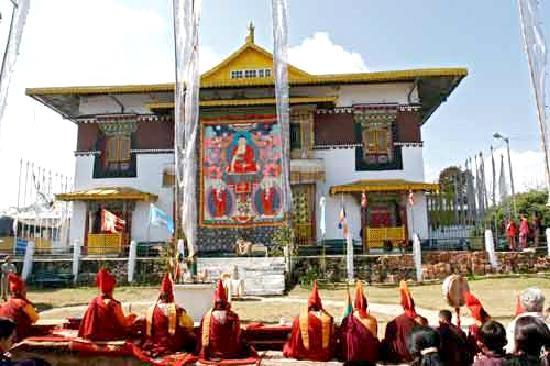 Pelling - Gangtok - Lachen - Lachung - Kalimpong Tour