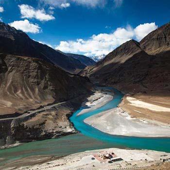 Manali - Keylong - Ladakh Package