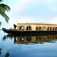 Kerala Hill Station And Backwaters Tour