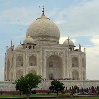 A Full Day Tour To City Of Taj Mahal Agra And Mathura (Fateh)