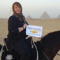 Day Tour Visiting Giza Pyramids, Sphinx, Valley Temple, Memphis and Sakkara