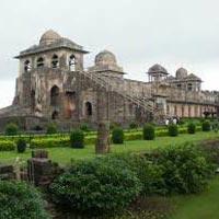 3 Days Mandu Tour Package (Monsoon Special).