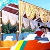 Honeymoon Srinagar Tour Package