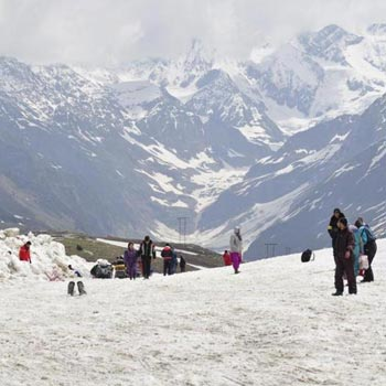 Shimla Manali Tour Packages By Car 12  Seater Tempo 5 Night 6 Days