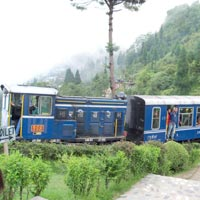 09 Nights 10 Days - Darjeeling (2 Nights), Pelling (2 Night), Gangtok (2+1 Nights), Lachen Tour