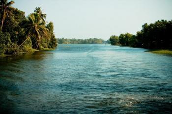 Enchanting Kerala- Cochin, Munnar, Thekkady, Kumarakom, Kova Tour Package