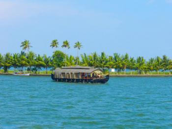 Kerala Delight- Cochin, Munnar, Thekkady, Kumarakom Tour Package