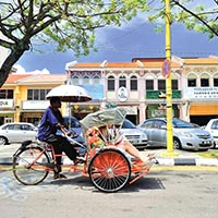 Heritage Discovery on a Trishaw (Ex-Beach Hotel) Tour