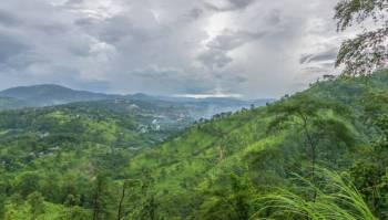 Guwahati, Shillong, Cherrapunjee, Mawlynnong Tour