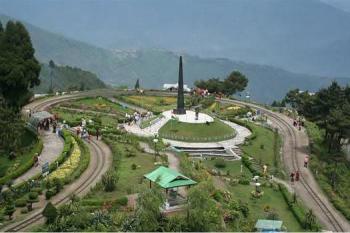 Gangtok – Pelling – Darjeeling Tour
