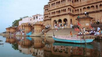 Weekend Tour in Mathura, Vrindavan & Agra