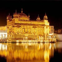 Amritsar - Vaishno Devi - Patnitop Tour Package
